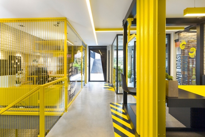 Emre group office by renda helin design interiors for It company interior