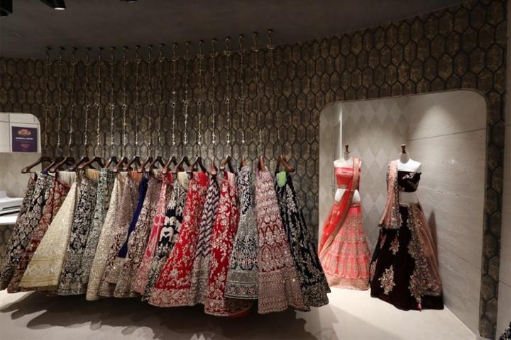 商业空间设计|印度Neerus新娘装精品店设计