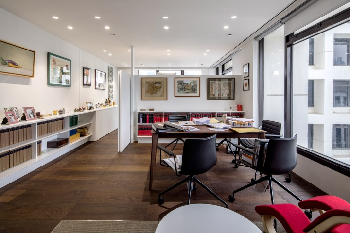 barrister s chamber at the landmark by plot architecture office