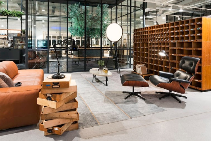 At The End Of Last Year, Knoblauch, The Furnishing And Shopfitting  Specialist From Markdorf, Opened The New Café Office Shop. As The Unusual  Sounding Name ...