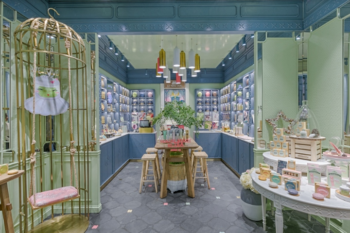 Sitting On One Of The Café Hot Zone In Shanghaiu0027s French Concession, The  New Tea Room Looking Store Has Attracted Many Attentions Since Opening With  It ...