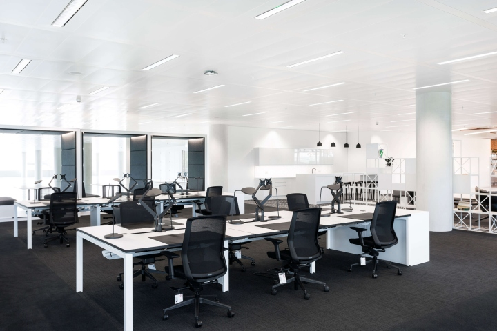 The Building Has An Enjoy Work Ethos And Is Incredibly Productive With Loads Of Natural Light Surroundings That Include A Lake Park