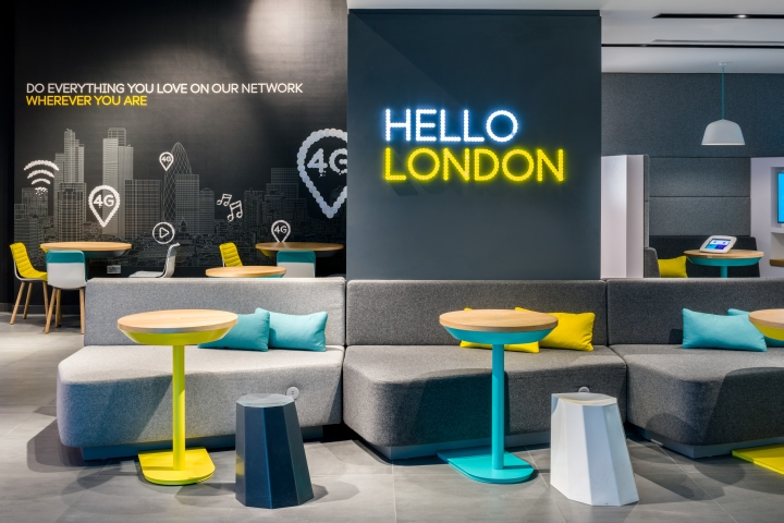 Store design for ee by quinine london uk retail for Retail design companies london