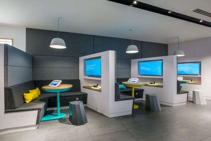 » Store design for EE by Quinine, London – UK