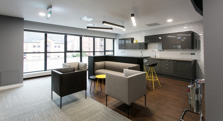 Sunlife office by interaction bristol england retail for Office design bristol