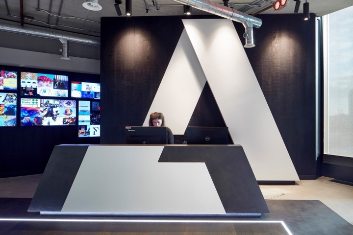 Adobe offices by gensler london uk retail design blog for Retail design companies london