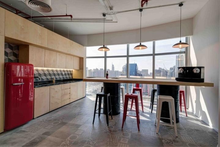 Iflix offices by swiss bureau interior design dubai uae for Office design uae