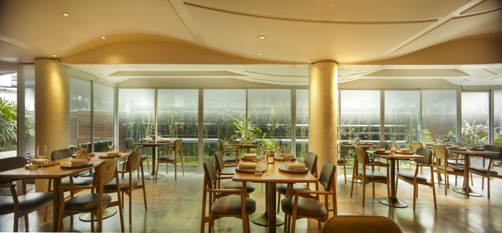 Bangkok Thai Küche Erlangen | Ledu Wine Bar And Restaurant By Party Space Design Bangkok Thailand