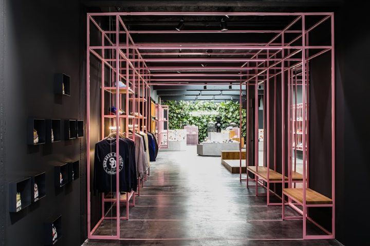 Sneaker District store by Barde +