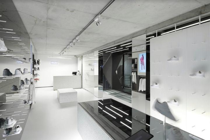 德国顶级运动鞋商店SLFT店面设计