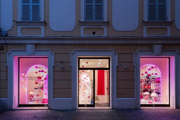 1012b1dab55 bags shop/shoes shop/spaces/store design
