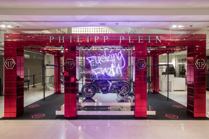 e9e0d5b9334 The new Phillip Plein pop-up store opened in Paris's Galeries Lafayette  last week turns fluorescent pink. A cube of wonders, where the eclecticism  of the ...