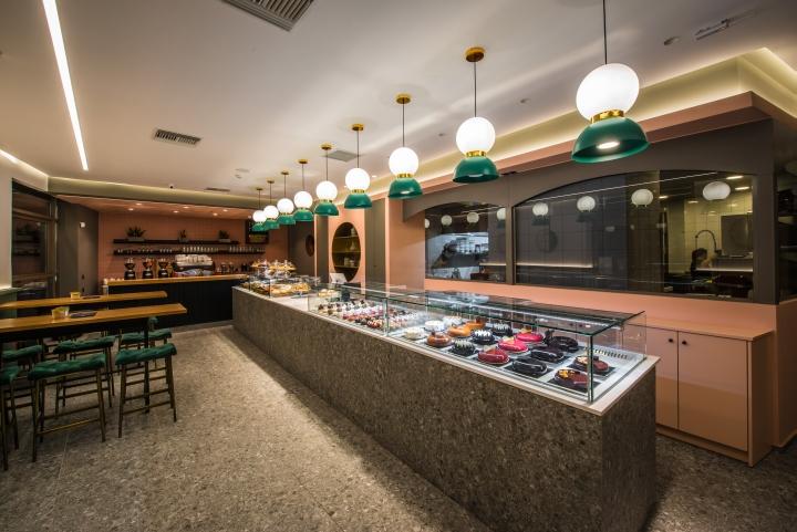 da688d9279ba Queen Boutique Desserts patisserie by Manousos Leontarakis ...