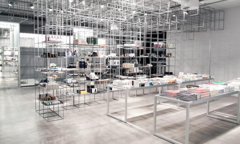 店面设计|丹麦Minimim城市工业风服装店设计