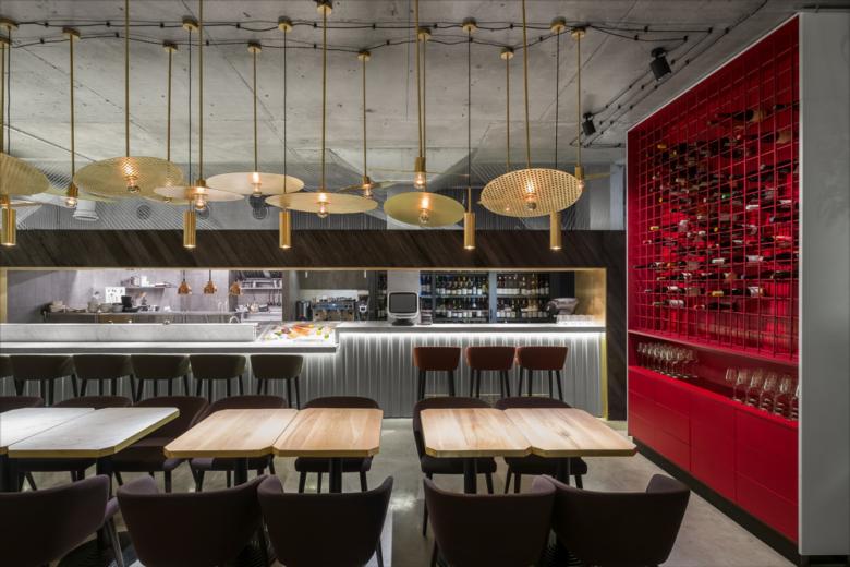 SI设计 | 莫斯科Wine Happens葡萄酒餐厅设计