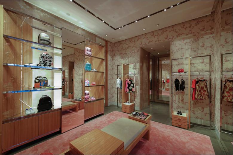 Dolce   Gabbana flagship store 31691f5e37