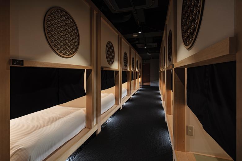 日式禅宗极简主义,东京禅宗胶囊酒店设计
