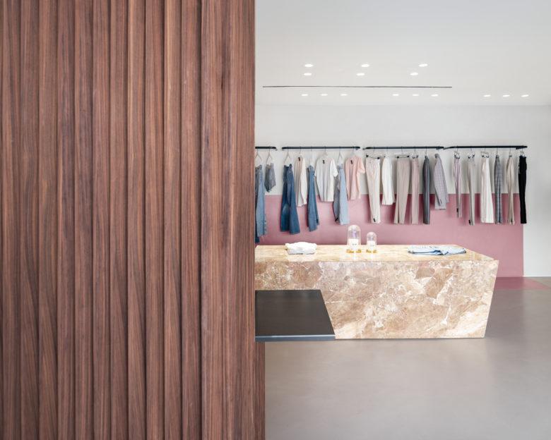 终端设计 | 法国马赛Reiko女装店设计