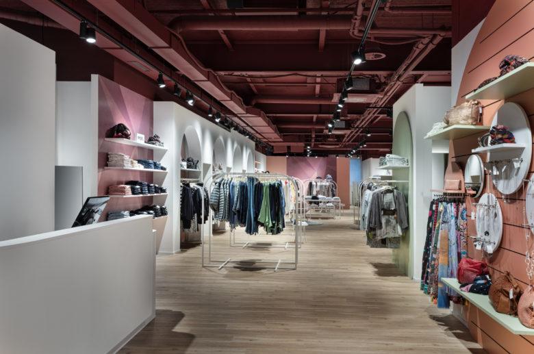 连锁设计 | 瑞士BONSAVER连锁服装店设计